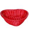 Rode rotan mand hartvormig